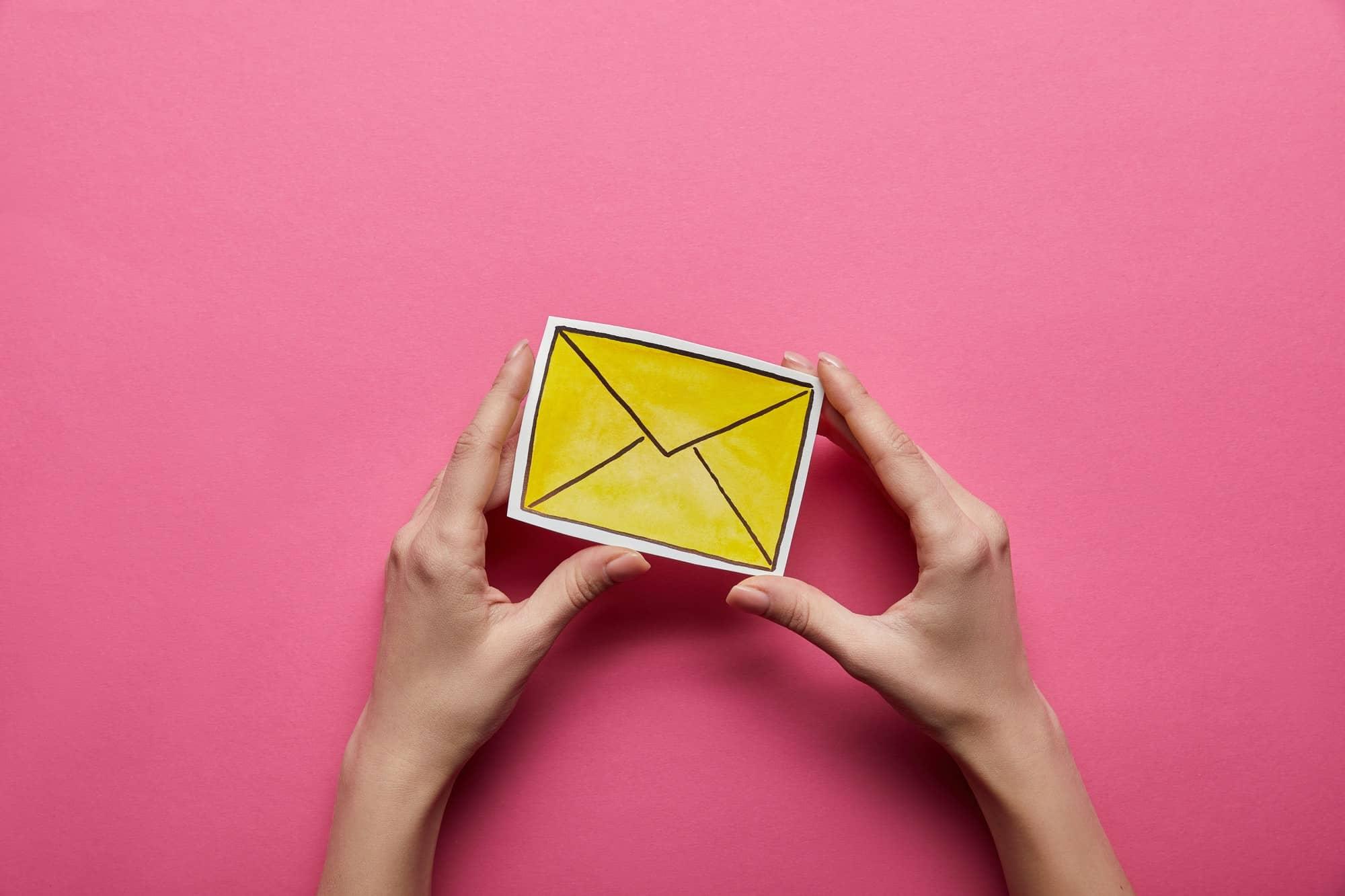 Read more about the article Email contenant uniquement du texte : Avantages et inconvénients